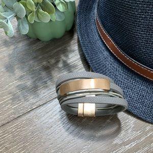 Jewelry - NEW✨ Vegan Leather Wrap Magnetic Bracelet